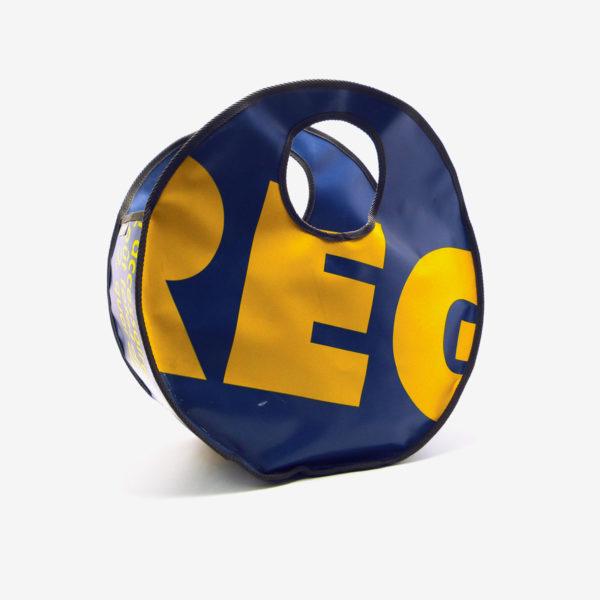 Sac en bâche publicitaire recyclée jaune et bleu Reversible upcycling dos