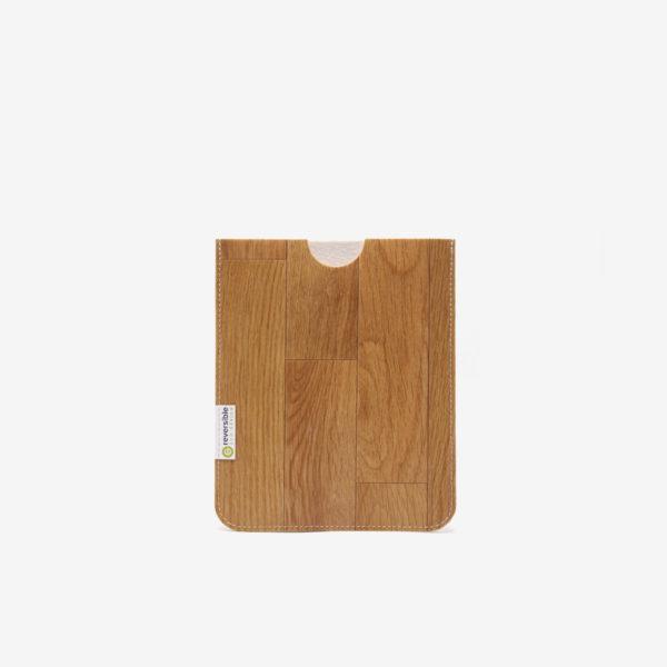Housse ipad en sol vinyle recyclé bois naturel.