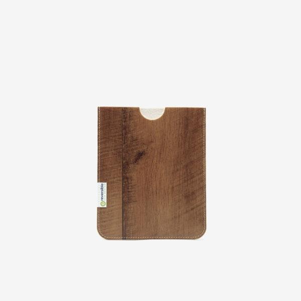 Housse ipad en sol vinyle recyclé bois roux.