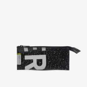 Trousse écolier noire en bâche publicitaire recyclée.