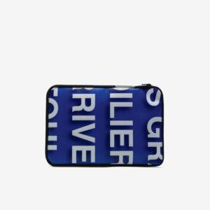 Housse bleue en bâche publicitaire recyclée.