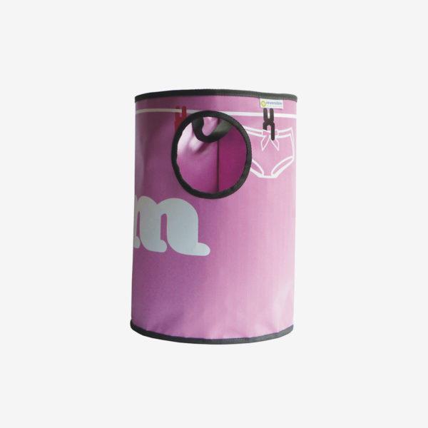 corbeille rose girly en bâche publicitaire recyclée.