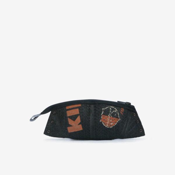 Trousse noire et orange en ballon de basket recyclé