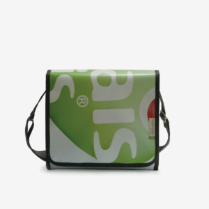 sac vert en bache publicitaire recyclee reversible upcycling