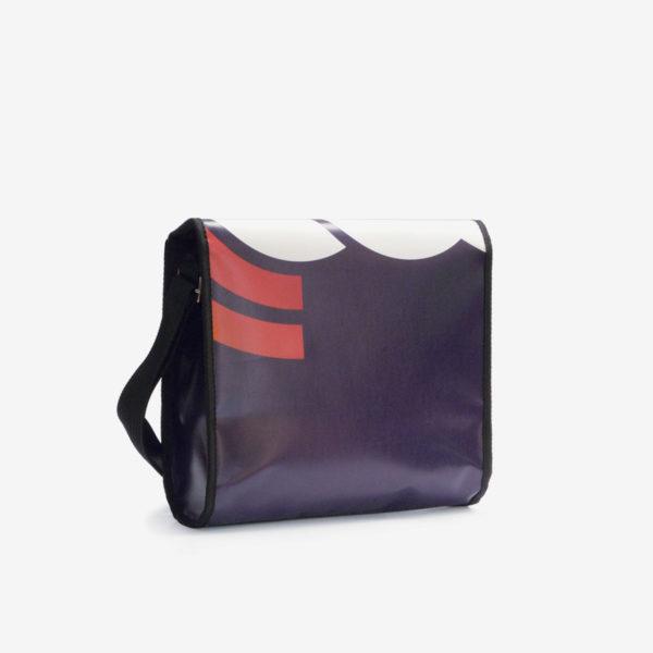 sac noir en bache publicitaire recyclee reversible upcycling