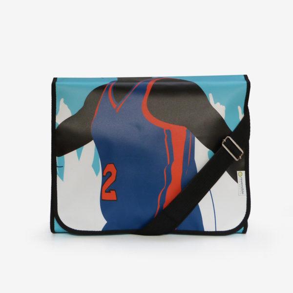 sacoche sportive bleue en bâche publicitaire