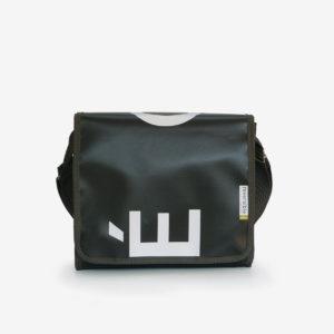 sac en bache publicitaire recyclee graphique noire et blanc design reversible