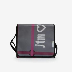 11 upcycling sac en bache reversible