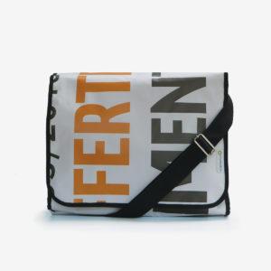 sacoche en bache lettres reversible eco design