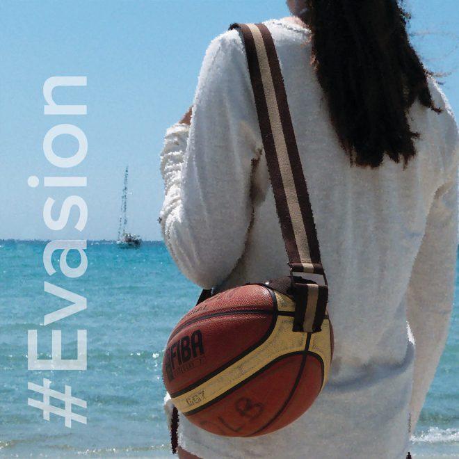 sac ballon sur la plage