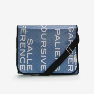 sacoche en bache bleue reversible eco design