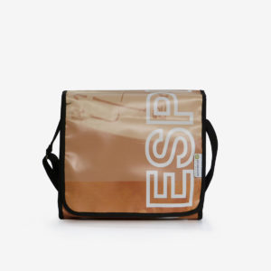 03 upcycling sac en bache publicitaire reversible