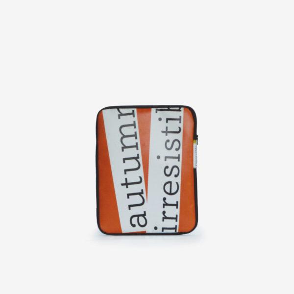Housse ipad en bâche publicitaire recyclée orange