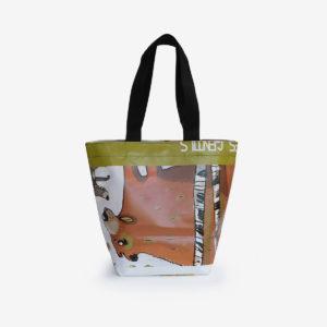 sac cabas en affiche publicitaire en bâche