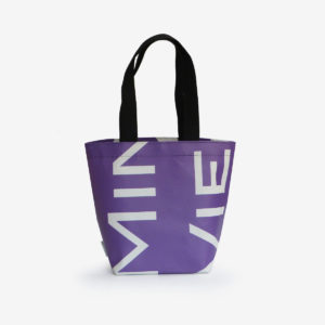 sac cabas violet en bâche publicitaire