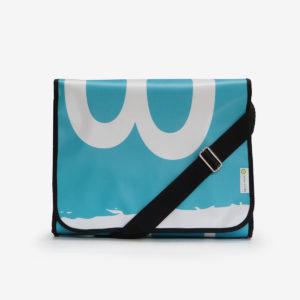 sacoche bleue en bâche publicitaire