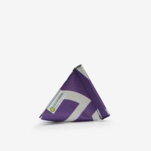 Porte-monnaie violet en bâche publicitaire recyclée.