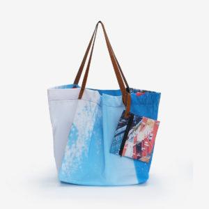 cabas de plage en toile publicitaire bleue