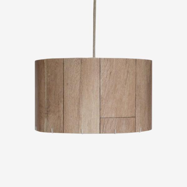 Luminaire en chute de sol vinyle imitation bois clair