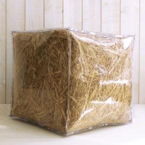 pouf transparent rempli de paille