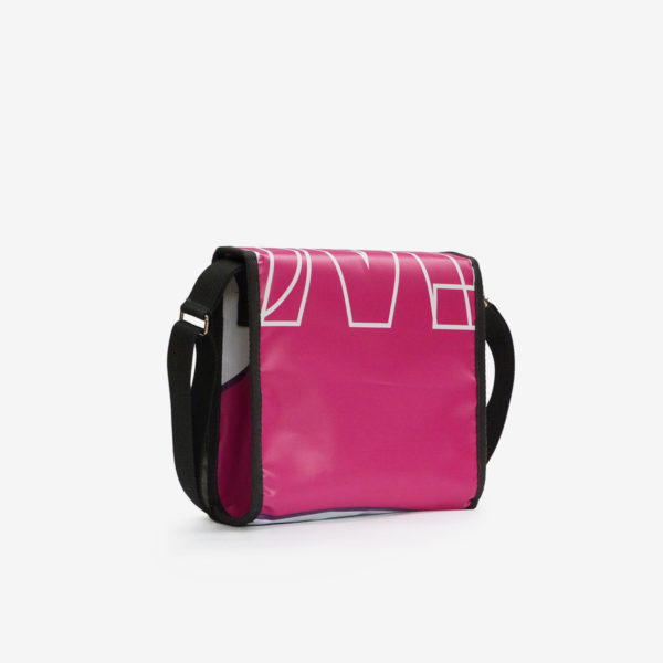 Dos sac besace en bâche publicitaire rose