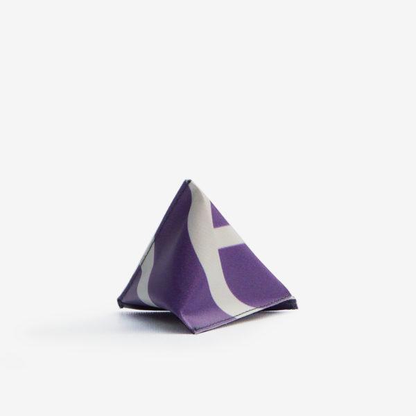 dos Porte monnaie en bâche publicitaire recyclée violette.