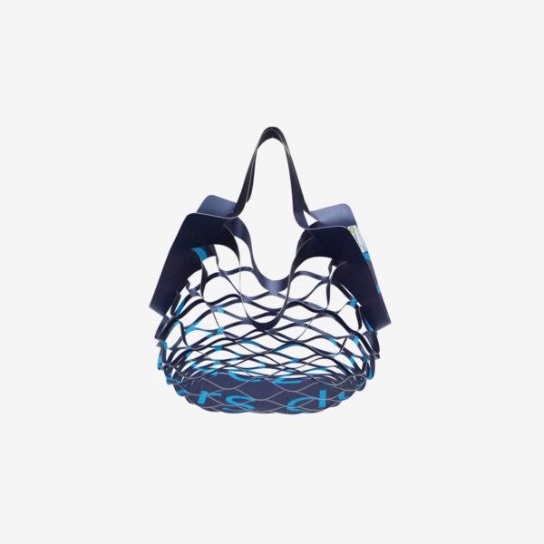 sac filet déplié bleu en bâche publicitaire recyclée