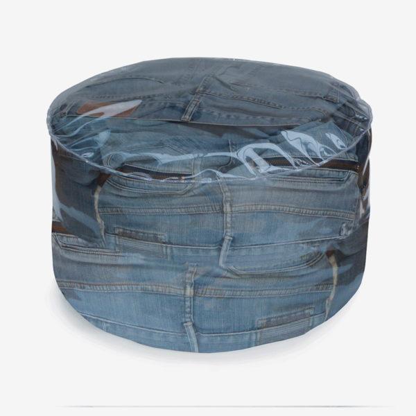 pouf rond transparent rempli de jeans.