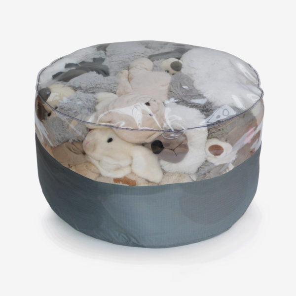 pouf rond transparent et toile parapente grise rempli de peluches.