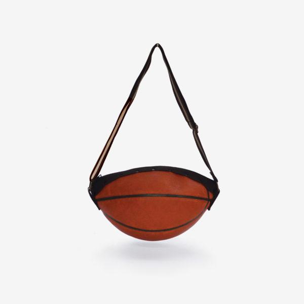 Dos sac en ballon de basket NATC en cuir.