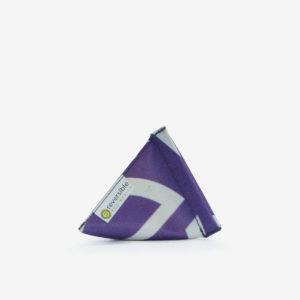 porte monnaie violet en bâche publicitaire recyclée.