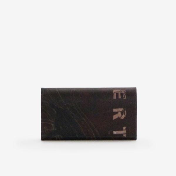 Dos de portefeuille en bâche publicitaire marron.