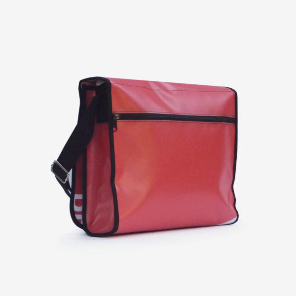 Dos sacoche colorée en bâche publicitaire .