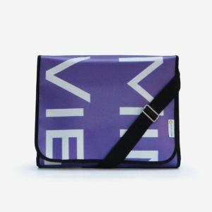 Sacoche violette en bâche publicitaire .