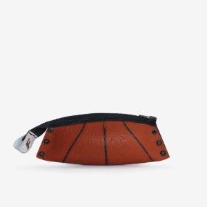 trousse en ballon de basket recyclé orange.