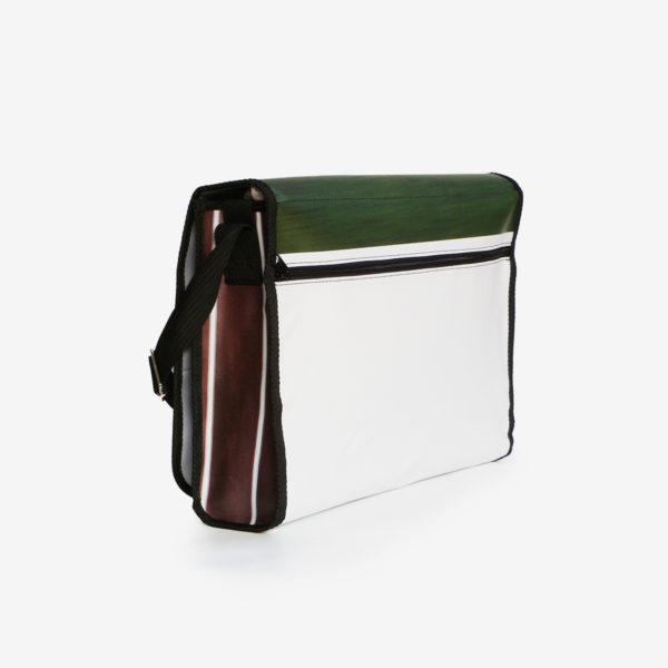 Dos de sacoche en bâche publicitaire recyclée athlétisme.