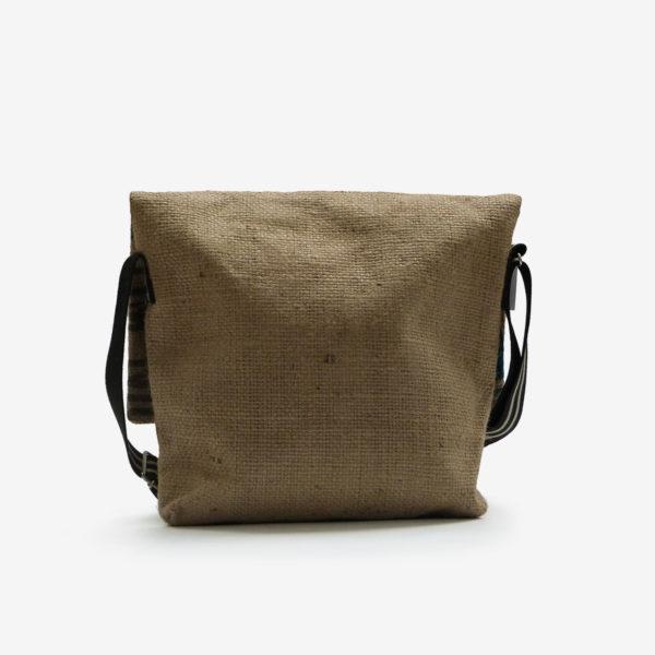 Dos de besace en sac de toile de café.