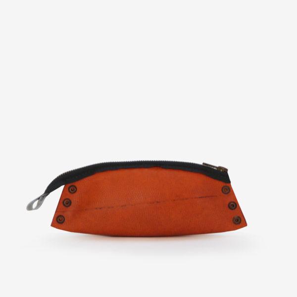Trousse en ballon de basket orange.