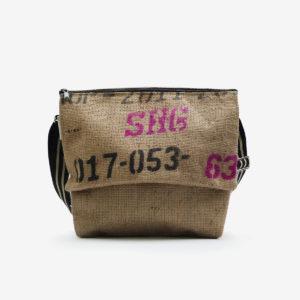 01 sac besace en toile de jute issu des sacs de transport de café.
