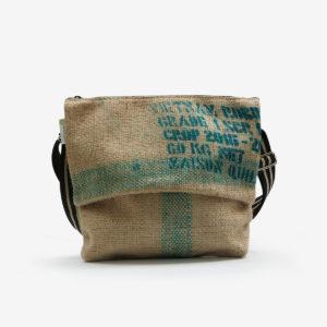 02 sac besace en toile de jute issu des sacs de transport de café.