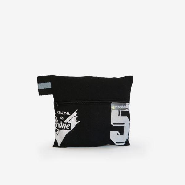 01 trousse noire en maillot de basket