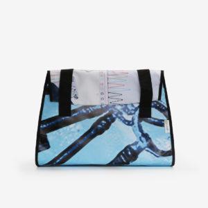 05 Sac en bâche publicitaire recyclée bleue.