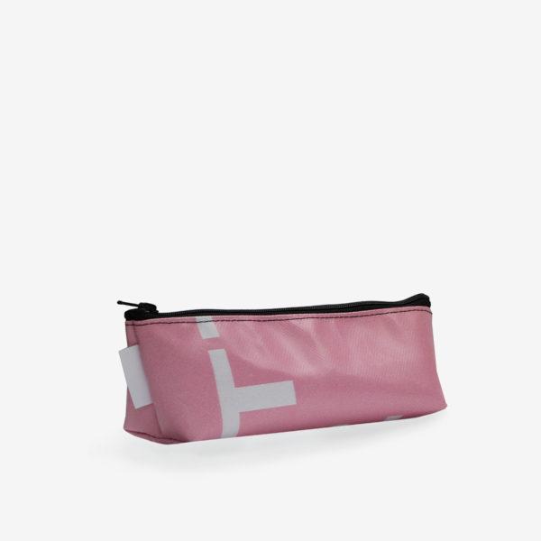 Dos de Trousse en bâche publicitaire recyclée rose clair.