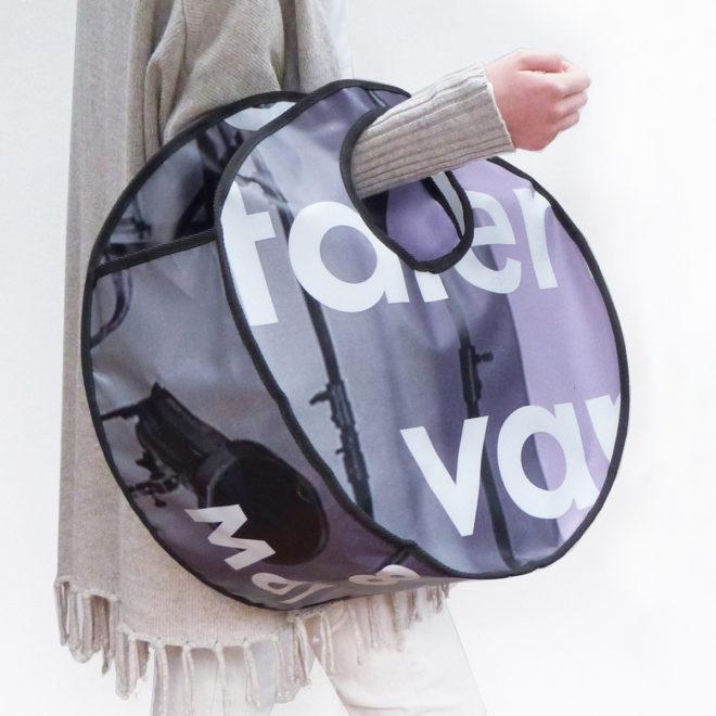 sac cabas rond en bâche publicitaire.