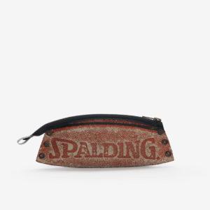 48 Trousse en ballon de basket Spalding.