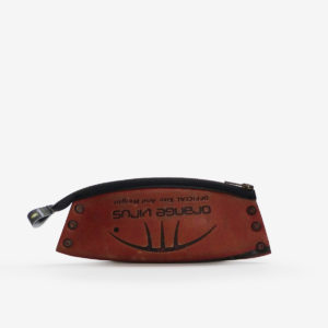 52 Trousse en ballon de basket orange.