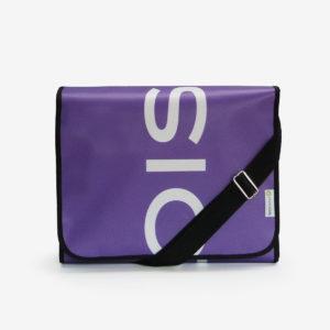 sacoche en bâche publicitaire violette.
