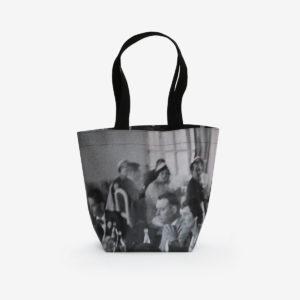 Sac cabas en bâche publicitaire issue d'une exposition photographique