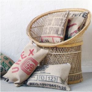 coussin en toile de sac de transport de café