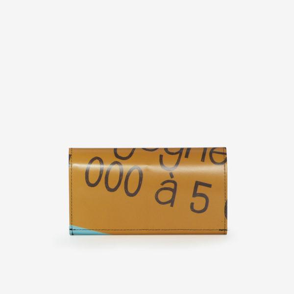 48 Dos de Portefeuille en bâche publicitaire orange.